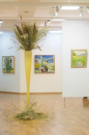 В Самарской областной библиотеке открылась выставка «Живописная ботаника»
