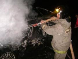 Ночью на ул. Садовой в Самаре горел автомобиль