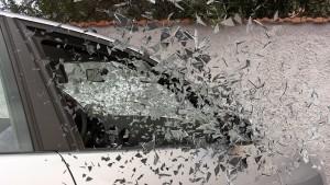 В результате ночного ДТП в Сызрани водитель «Лады Ларгус» оказался зажатым в деформированном кузове
