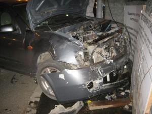 В Тольятти на перекрестке столкнулись две иномарки, пострадала пассажирка одной из них
