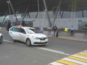 Сотрудники ГИБДД провели спецрейд на автопарковке аэропорта «Курумоч»