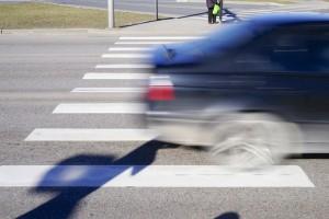 В Самаре водитель умер за рулем автомобиля, остановившись на