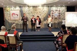 Дмитрий Микель поздравил с юбилеем семьи, отметившие 50, 55 и 60 лет совместной жизни