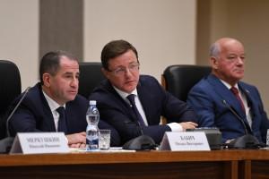 Полпред Президента Михаил Бабич в Самаре представил врио губернатора Самарской области Дмитрия Азарова