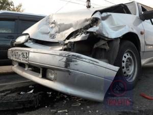 В Тольятти столкнулись три автомобиля