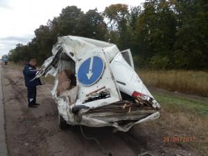 В Ставропольском районе водитель VOLVO FM въехал в ГАЗ-2705, тяжелые травмы получил дорожный рабочий