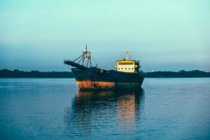 В Сызрани капитан нефтеналивного судна осужден за попытку незаконно продать более 13 тонн солярки