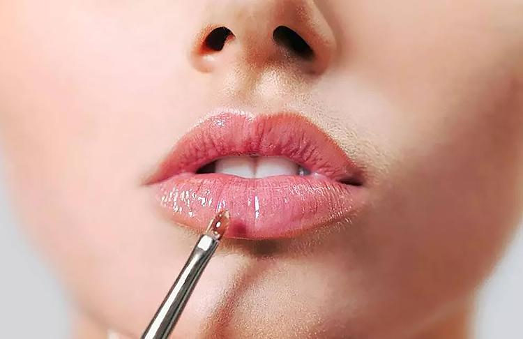 Косметика для губ способна творить чудеса