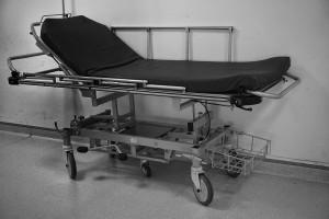 В Самаре водитель «Газели» пожаловался на плохое самочувствие, вышел из машины, сел на бордюр и умер