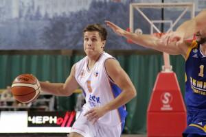 В матче баскетбольной Суперлиги «Самара» разгромила «Химки-Подмосковье»