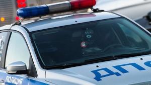 Сызранец бросил бутылку в машину полиции, преградил дорогу и снимал всё на телефон