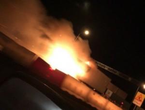 На въезде в Новосемейкино «Газель» врезалась в бетонные блоки и загорелась