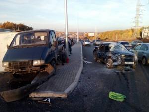 В Самаре на  Московском шоссе «Газель» столкнулась с  «Ладой Гранта», погиб 20-летний пассажир легкового автомобиля