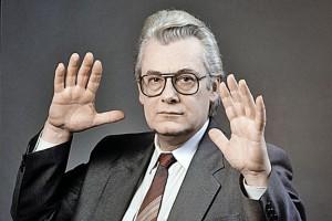 В возрасте 82 лет скончался Аллан Чумак, получивший в конце 1980-х годов известность, как телевизионный «целитель»