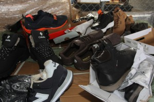 Самарская таможня выявила более 11 тысяч контрафактной обуви из Кыргызстана