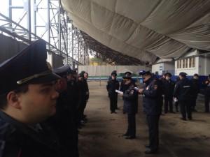 Сотрудники полиции и Росгвардии обеспечивали правопорядок во время проведения футбольного матча на «Металлурге»
