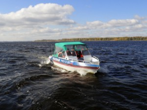 В Приволжском районе двум рыбакам потребовалась помощь спасателей