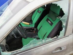 В Большечерниговском районе трое местных жителей обворовывали автомобили