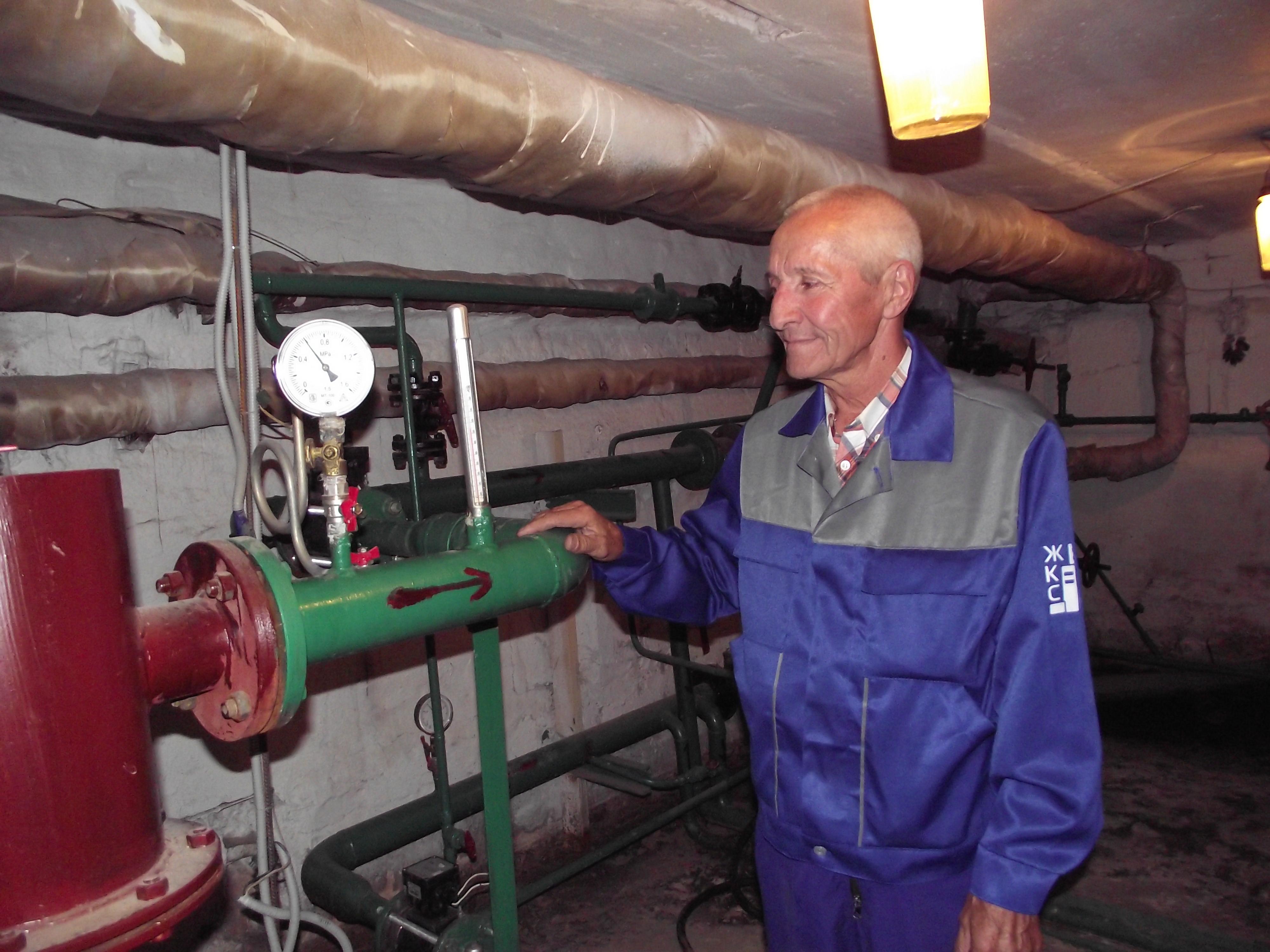 Управляющие компании дали тепло в дома и подготовились к зимней работе