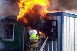 В Тольятти горело бытовое помещение АЗС ТНПС