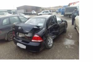 На Ракитовском шоссе в Самаре Nissan врезался в ВАЗ 217030 и выпавшим грузом повредил Volkswagen