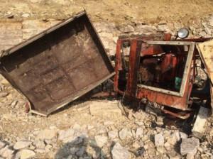 В Красноармейском районе мужчина на самоходном шасси Т-16 рухнул в карьер и погиб