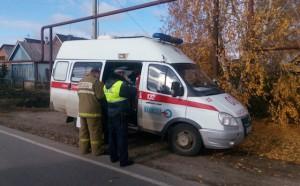 В селе Подстёпки  «Ниссан» врезался в припаркованное маршрутное такси, серьезно пострадала пассажирка  автобуса