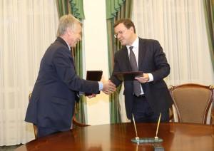 Дмитрий Азаров и Леонид Михельсон договорились о поддержке волейбола