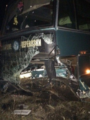 Автобус, ехавший из Самарской области, разбился в Татарстане, съехав в кювет