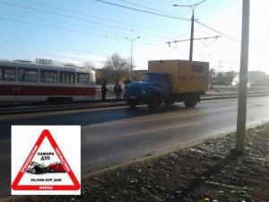 В Самаре на ул. Ташкентской сошел с рельсов трамвай