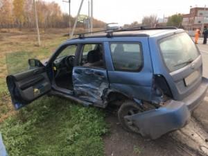 В Красноярском районе Самарской области иномарка Subaru врезалась в ВАЗ 21124