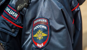 Житель Сызрани, чтобы поправить материальное положение, украл из припаркованного автобуса магнитолу, колонки и деньги