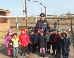 Начальник ОГИБДД Хворостянского района организовал ряд мероприятий для дошколят и школьников