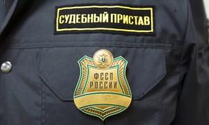 Путин разрешил приставам задерживать должников по алиментам