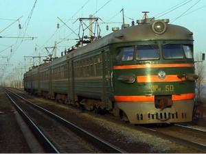 В Чапаевске мужчина попал под пассажирский поезд и погиб