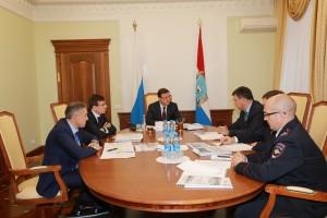 Дмитрий Азаров провел рабочую встречу с начальником Куйбышевской железной дороги