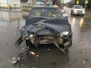 В Красноглинском районе Самары ГАЗ столкнулся с ВАЗ-21150