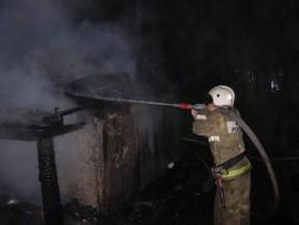 В Черноречье 12 спасателей тушили пожар в частной бане на площади 80 квадратных метров