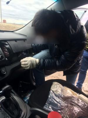 Житель Самарской области на своем авто ввез в регион несколько килограммов