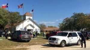 По меньшей мере 26 человек погибли в результате стрельбы в церкви в Техасе
