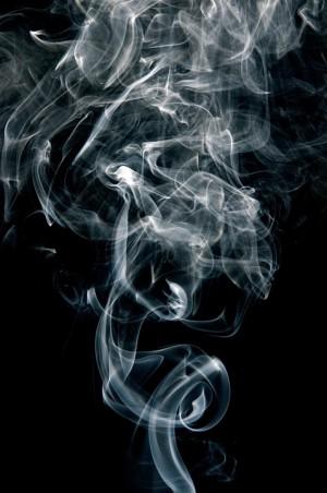 В Тольятти подросток украл из магазина  два флакона туалетной воды, чтоб купить себе электронную сигарету