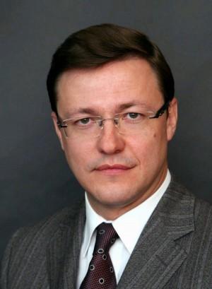 Дмитрию Азарову приписали очень сильное влияние