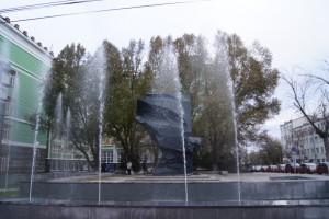 В Самаре не перекрестке улиц Красноармейская и Чапаевская завершены работы по ремонту фонтана «Красное знамя»