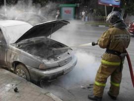 В Самаре на улице Олимпийской сгорел автомобиль