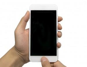 В Сызрани подросток силой отобрал телефон у нетрезвого посетителя кафе