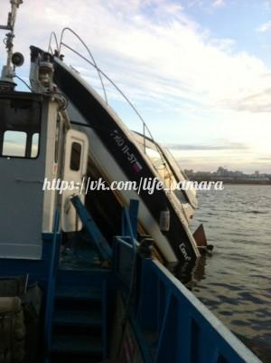 В Самаре на Волге столкнулись два судна, пострадали два человека