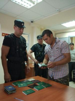 За минувшую неделю из Самарской области на родину отправились 62 нелегальных мигранта