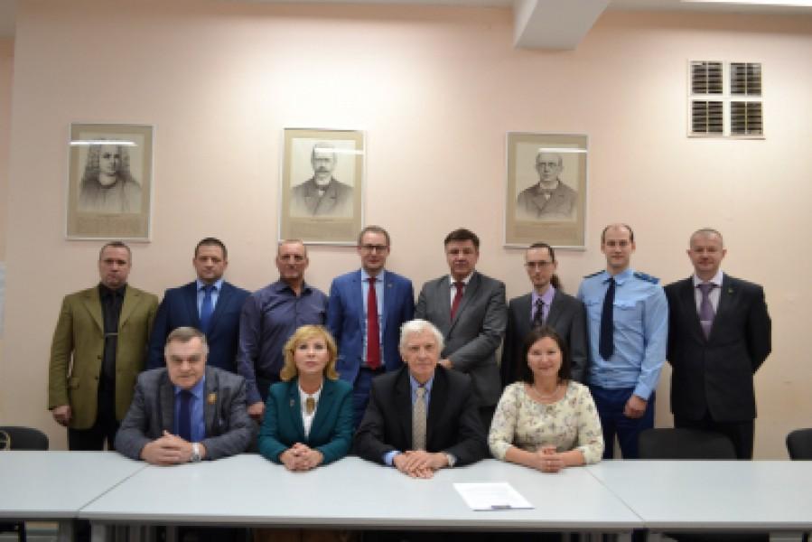 Тольяттинские полицейские приняли участие в форуме «Противодействие экстремизму и терроризму – дело общее»
