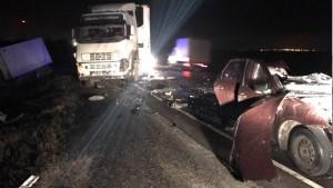 В Сызранском районе столкнулись 4 грузовика и
