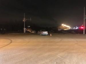 В Самаре на пересечении Московского шоссе и улицы Алма-Атинская «Mitsubishi» после столкновения с «Mercedes» перевернулась на крышу
